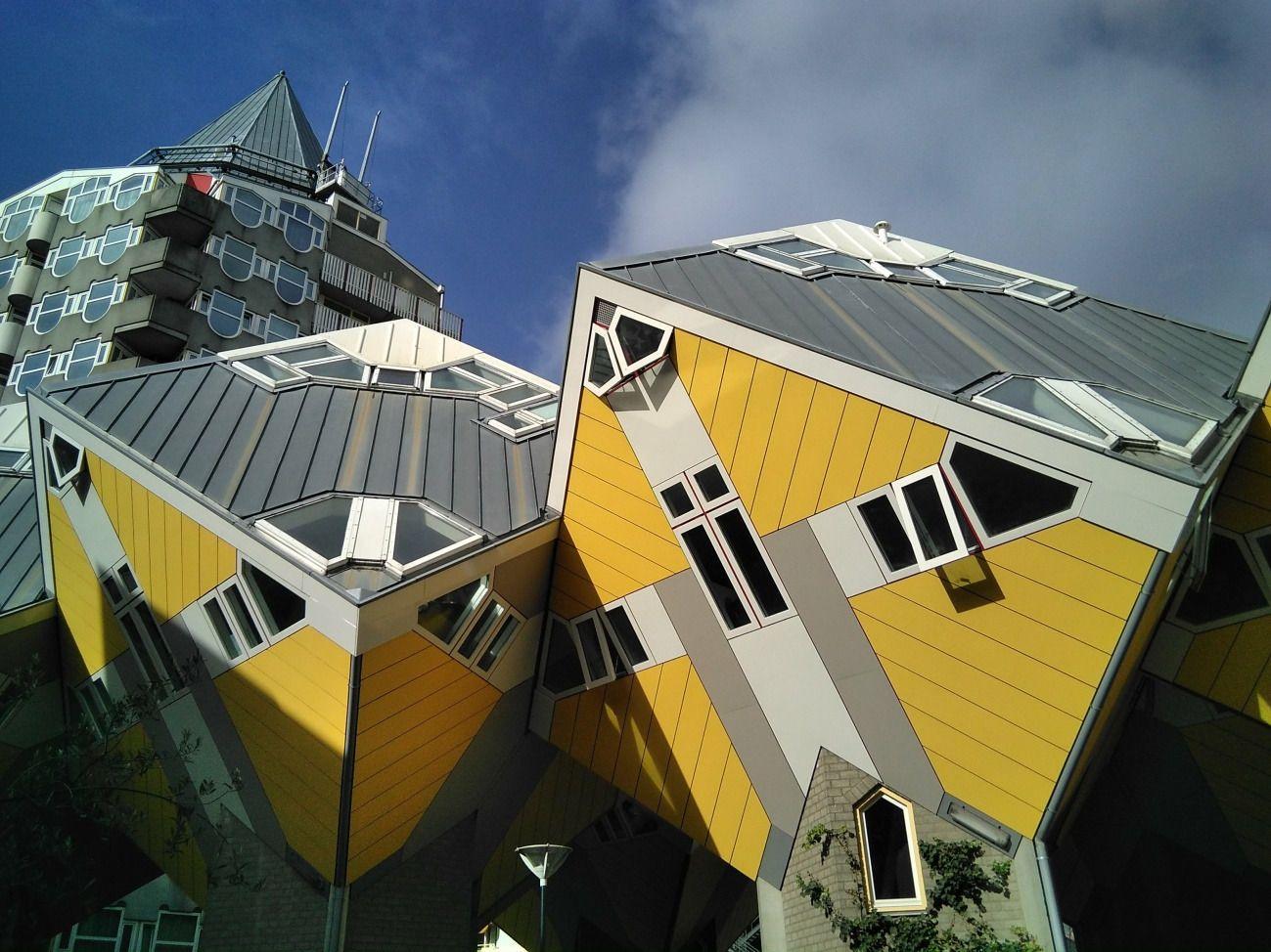 THE ROTTERDAM ARCHITECTURE : STILL SURPRISING