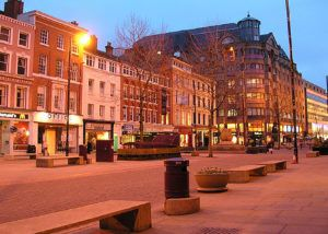 manchester contrasts city center